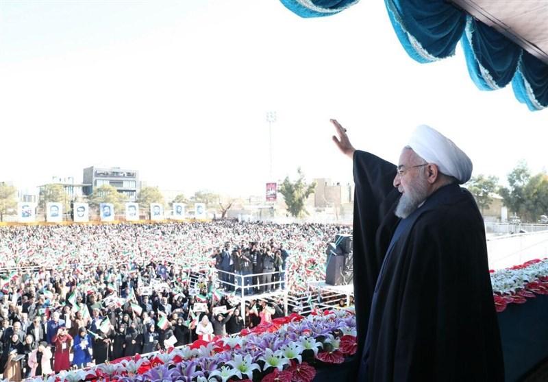 کرمان| روحانی: در واشنگتن کسی فکر نکند میتواند برای ملت بزرگ ایران تصمیم بگیرد