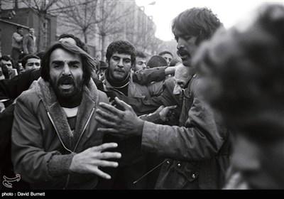 انقلاب اسلامی ایران کیمرے کی آنکھ سے - 1