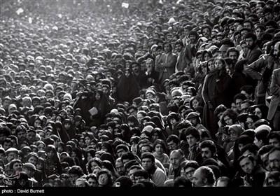 انقلاب اسلامی ایران کیمرے کی آنکھ سے