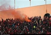 حاشیه دیدار پرسپولیس - نفت مسجدسلیمان| شعار تماشاگران پرسپولیس علیه ویسی