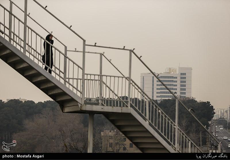 در اوج آلودگی، سایت کنترل کیفیت وضعیت هوای تهران را پاک اعلام کرد+عکس