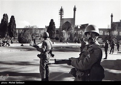 انقلاب اسلامی ایران کیمرے کی آنکھ سے - 2