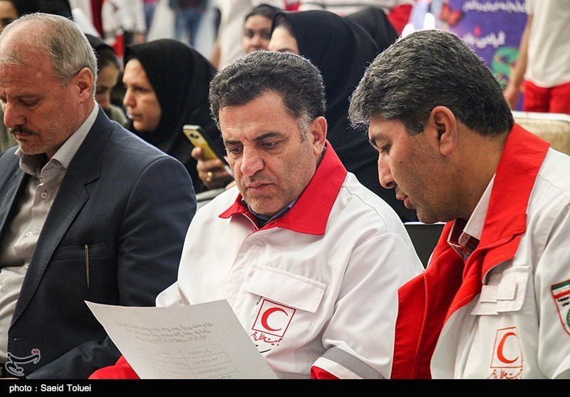 اقلام زندگی زلزلهزدگان با کالای ایرانی تامین میشود/تعطیلات نوروز تقسیم شود
