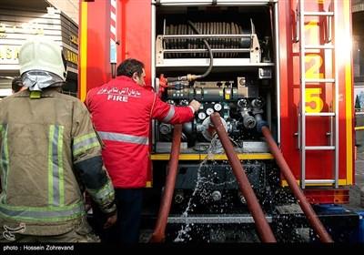 اطفای حریق در کارگاه تولید مبل به وسعت 2 هزار متر