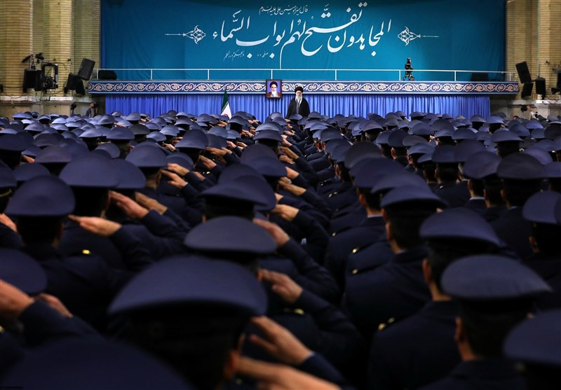 امامخامنهای: 22 بهمن امسال تماشایی خواهد بود/ حکومت آمریکا بدتر از داعشیهای وحشی است