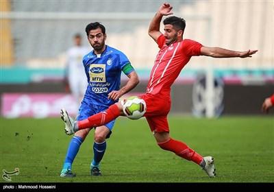 دیدار تیم های فوتبال استقلال تهران و سپیدرود رشت
