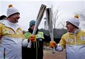 باخ مشعل المپیک زمستانی را حمل کرد + عکس