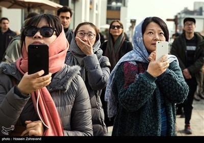 حضور گردشگران خارجی در محل پرش