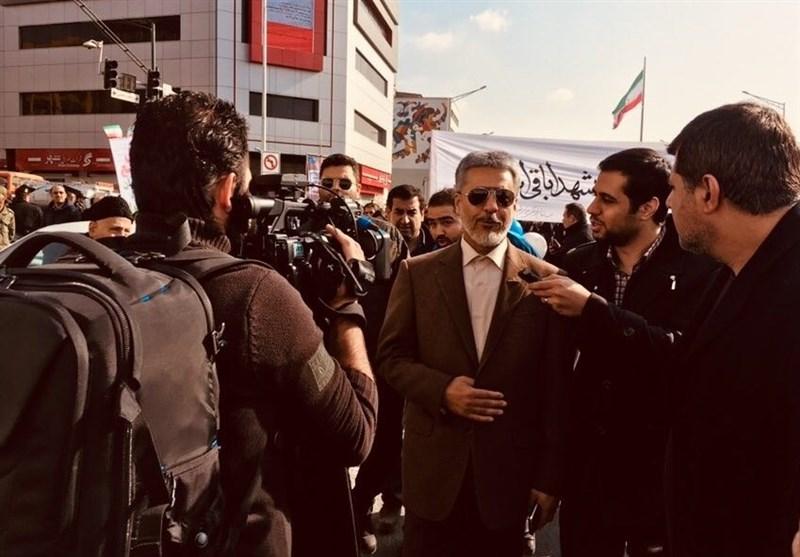 «22 بهمن 96»-10|دریادار سیاری: هیچ ایرانی حاضر نیست برای حرکت رو به جلو مانعتراشی کند
