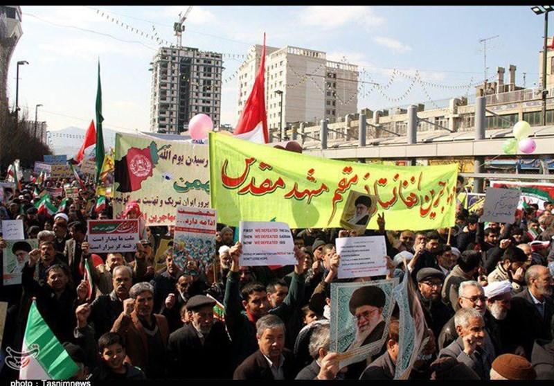 «مهاجرین افغانستانی» هم آمدند؛ تصاویر تسنیم از حضور گسترده مهاجرین در راهپیمایی 22 بهمن