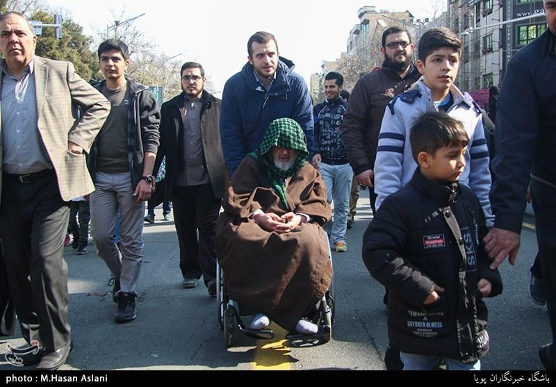 حضور شخصیتها در راهپیمایی 22 بهمن