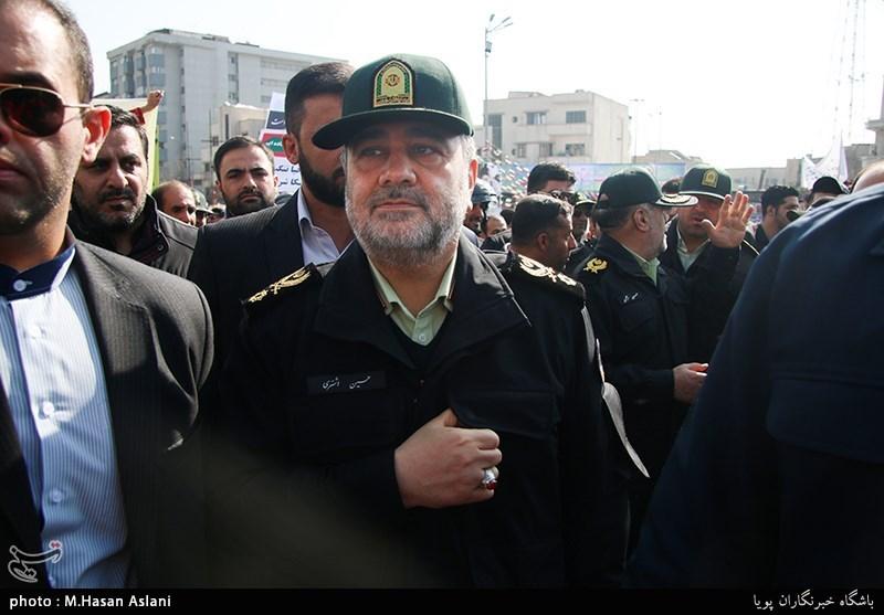 سردار حسین اشتری فرمانده نیروی انتظامی در راهپیمایی 22 بهمن - تهران