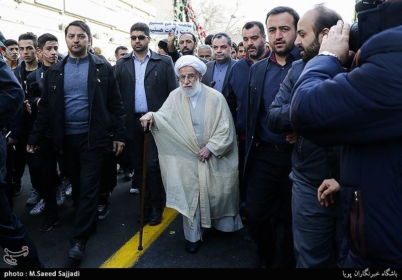 آیتالله احمد جنتی دبیر شورای نگهبان در راهپیمایی 22 بهمن - تهران