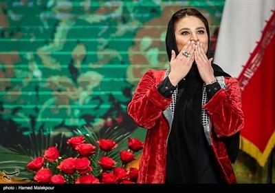 اهداء سیمرغ بلورین بهترین بازیگر مکمل زن به سحر دولتشاهی برای فیلم عرق سرد و چهارراه استامبول