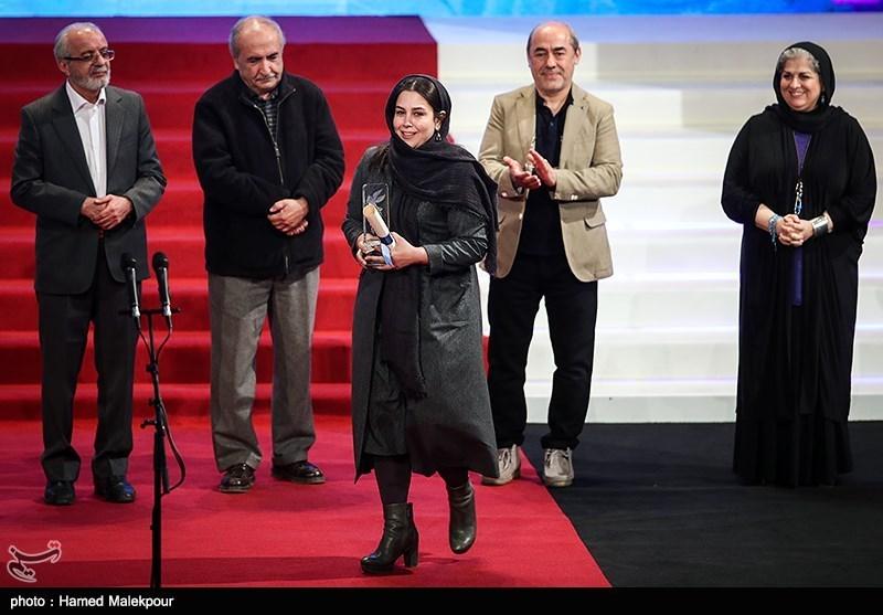 اهداء سیمرغ بلورین بهترین طراحی لباس به سارا خالدیزاده برای فیلم بمب، یک عاشقانه