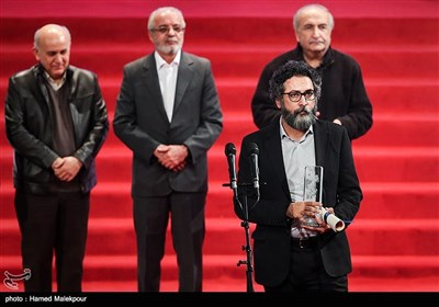 اهداء سیمرغ بلورین بهترین چهرهپردازی به سعید ملکان برای فیلم تنگه ابوقریب