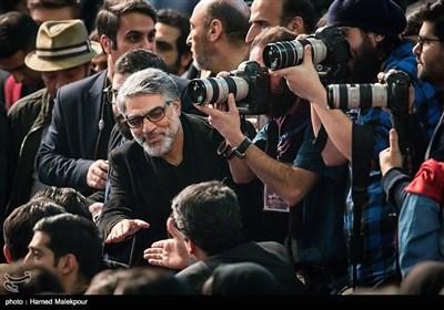 محمدعلی باشهآهنگر در مراسم اختتامیه سیوششمین جشنواره فیلم فجر