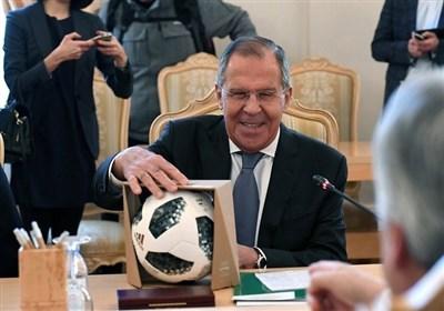 هدایای فوتبالی وزیر امورخارجه روسیه به همتای بلژیکی اش