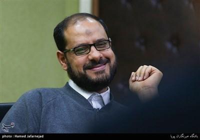عبدالغنی خنجر سخنگوی جنبش حق بحرین در نشست بررسی انقلاب 14 فوریه بحرین با حضور فعالان بحرینی