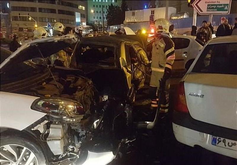 تصادف شدید 4 خودرو در خیابان ولنجک + تصاویر
