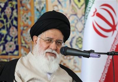 امامجمعه مشهد: 9 دی یادبود یک جریان یا حادثه نیست؛ دشمن ستون خیمه نظام را هدف گرفته است