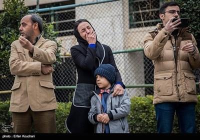 """ایرانی تیل بردار جہاز """"سانچی"""" میں جاں بحق ہونے والے افسروں کے جنازوں کی تدفین"""