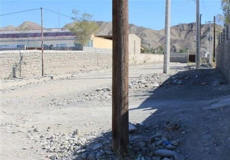 فارس| کوچههای خاکی مسیر عبور کاخ ساسانی؛ «مومنآباد» روستایی بدون یک متر آسفالت