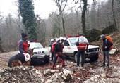 امدادرسانی هلالاحمر به عشایر گرفتار در سیلاب چهارمحال و بختیاری