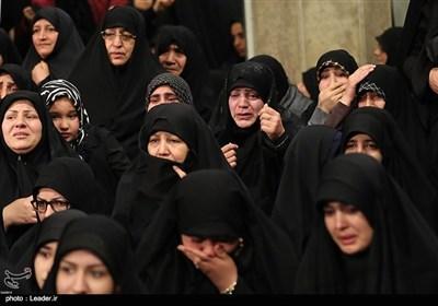 امام خامنہ ای کی ایام فاطمیہ کے موقع پر مجلس عزاء میں شرکت