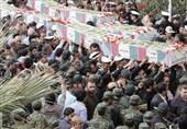 بوشهر| پیکر پاک 5 شهید گمنام بر روی دستان مردم سوگوار تشییع شد+فیلم
