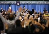 تبریز| شعری که مردم آذربایجان در دیدار با مقام معظم رهبری همخوانی کردند