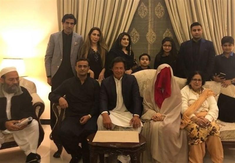 عمران خان نے بشریٰ بی بی سے تیسری شادی کرلی