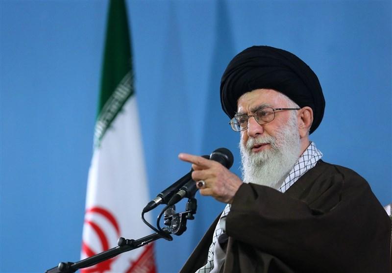 الامام الخامنئی(1) : انتصار الثورة الاسلامیة فی ایران جذب قلوب شعوب المنطقة