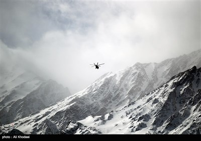 Iran Mounts Search after Plane Crash