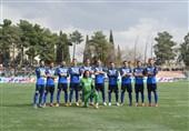 تیم فوتبال آلومینیوم اراک بدون سرمربی به دیدار پرسپولیس میرود