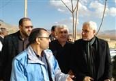 اصفهان| خطر پرتشدن از کوه امدادگران را تهدید میکند؛ امروز دیگر امکان جستوجو وجود ندارد