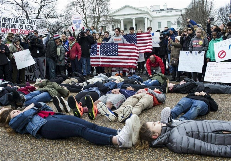 Students Stage 'Lie-in' at White House to Protest Trump's Stance on Gun Control