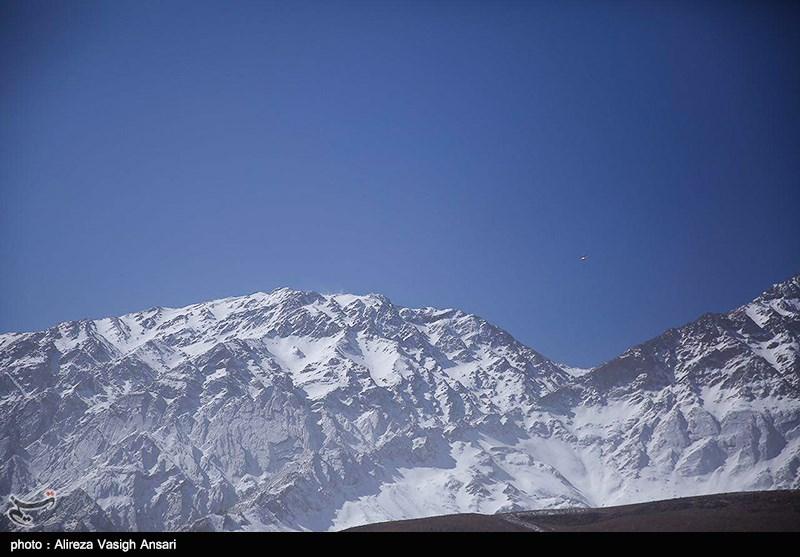 اصفهان| جستوجوی جعبه سیاه هواپیما ادامه دارد؛ قطعات کشف شده درحال بررسی است