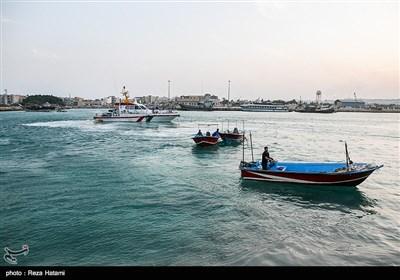 قایق های صیادی در اسکله صیادی جزیره خارگ