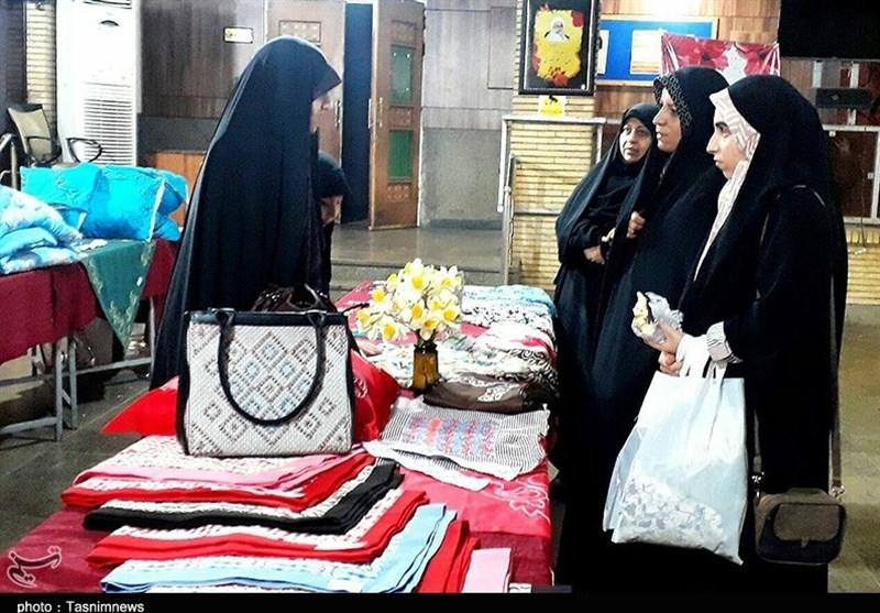قزوین| نخستین نمایشگاه تخصصی بانوان در قزوین افتتاح شد