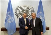 Iran's Outgoing Envoy Presents Gift to UN Chief (+Photo)