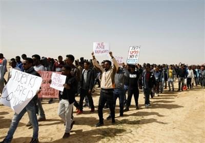 تظاهرات مهاجران آفریقایی در اعتراض به سیاست اخراج و حبس رژیم صهیونیستی+تصاویر
