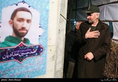 """دیدار سردار فضلی با خانواده شهید بسیجی """"محمدحسین حدادیان""""+عکس و فیلم"""