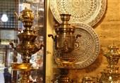 اصفهان|مسگری باوفاترین هنر ایرانی؛ هنرمندان بازار مسگرها چشمبهراه مسافران نوروزی