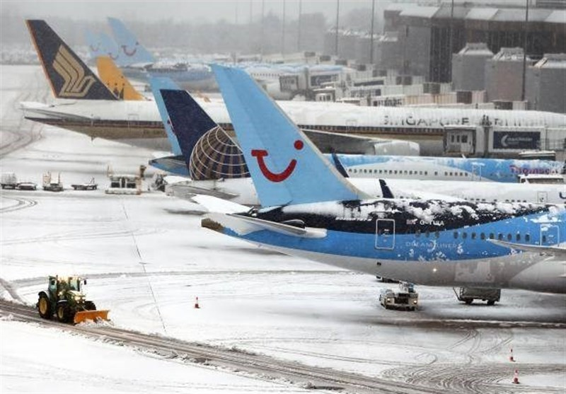 New Icy Blast Cancels over 100 Flights at London Heathrow