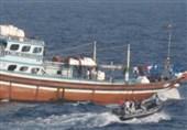 امدادرسانی ناو نیروی دریایی پاکستان به ماهیگیران ایرانی