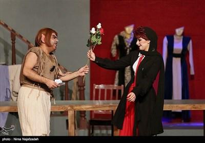نمایش جن گیر - مشهد