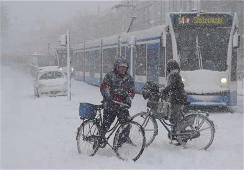At Least 21 Die as Blizzards Lash Europe