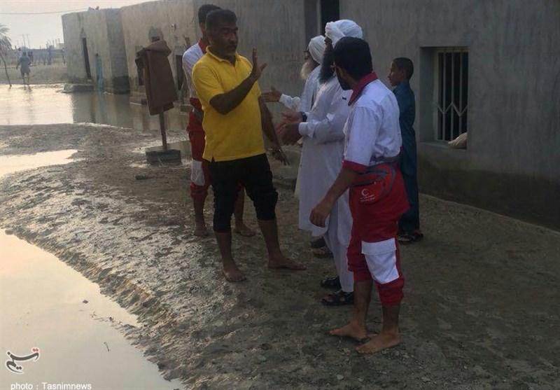 گزارش ویدئویی تسنیم از مناطق سیلزده| محله نظرآباد کنارک هنوز غرق در آب است / مردم کمک فوری میخواهند