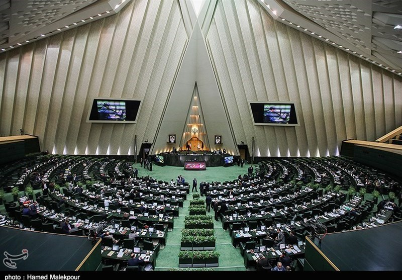 MPs Not Convinced by Iranian President's Answers on Economic Problems